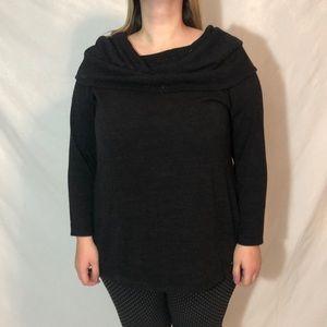 Jaclyn Smith black Sweater